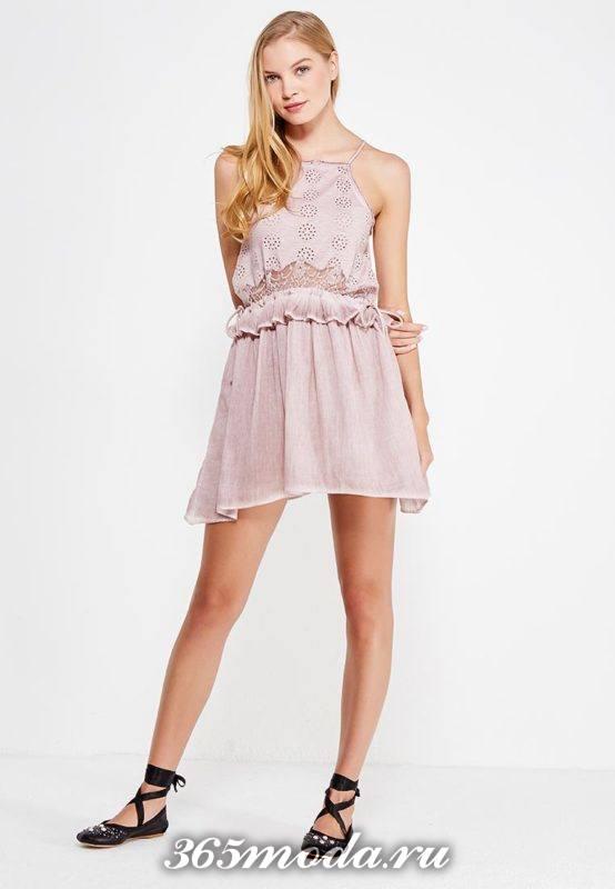 летний образ с коротким платьем