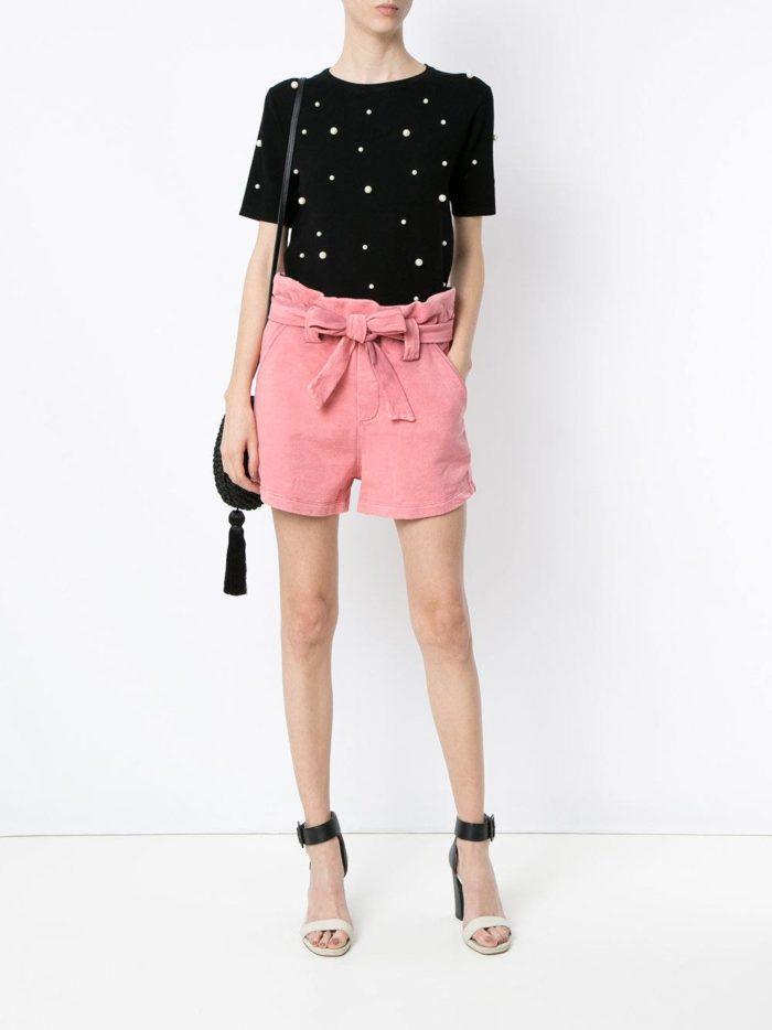 летний образ с розовыми шортами с бантом