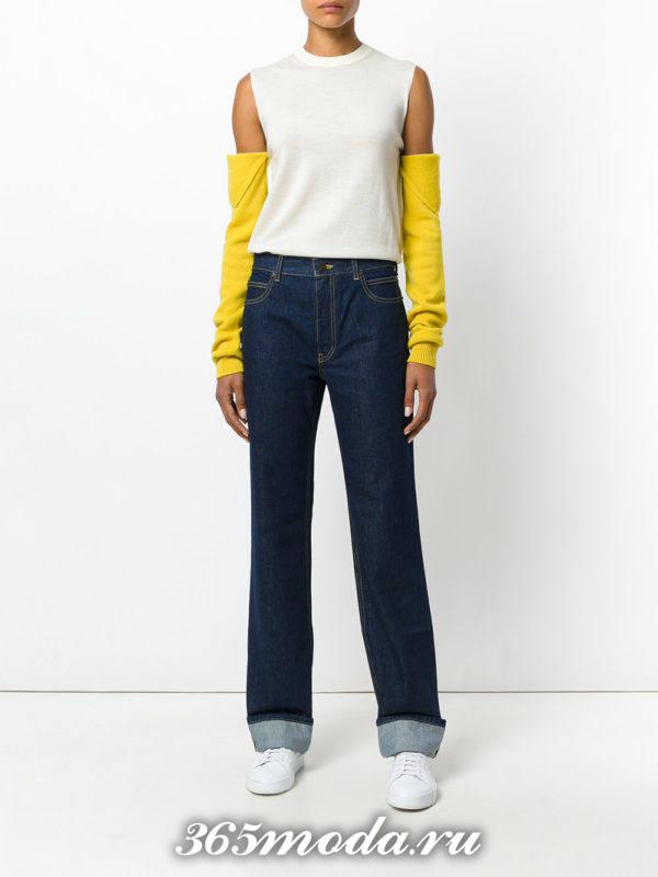 лук с темными джинсами