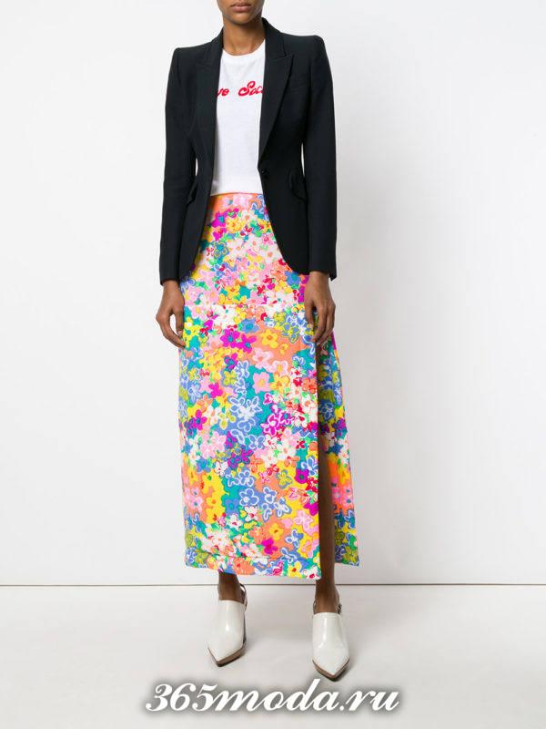 модный лук весна-лето: с длинной юбкой с принтом