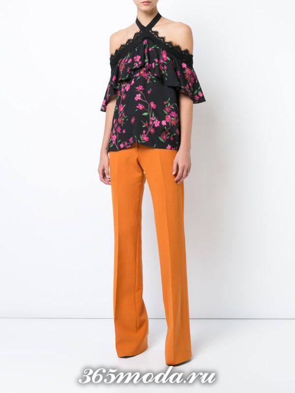блузка из шифона с короткими рукавами с оборками и принтом