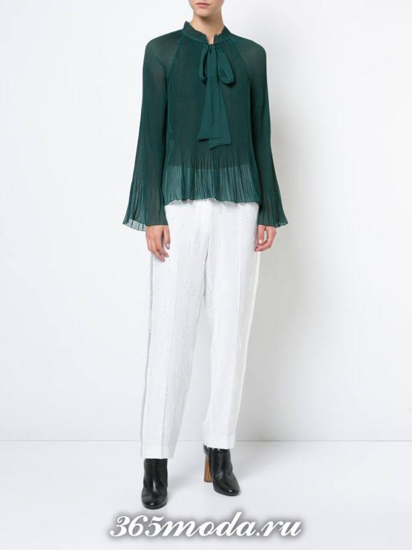 зеленая жатая блузка из шифона с бантом
