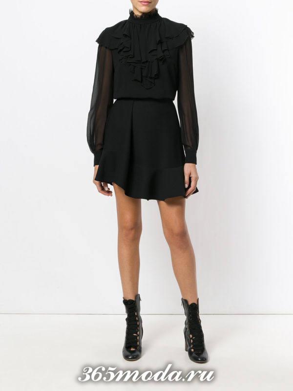 блузка из шифона с воланами черная