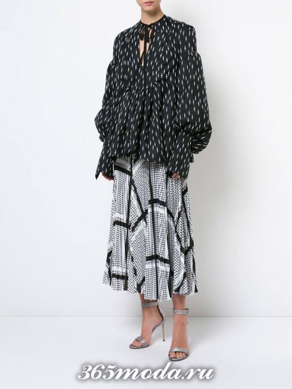 блузка из шифона с баской и принтом