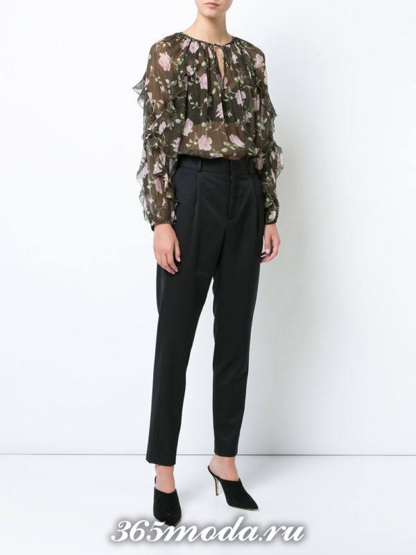 жатая блузка из шифона с принтом и рюшами