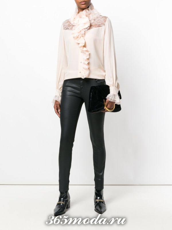 шифоновая блузка светлая с декором