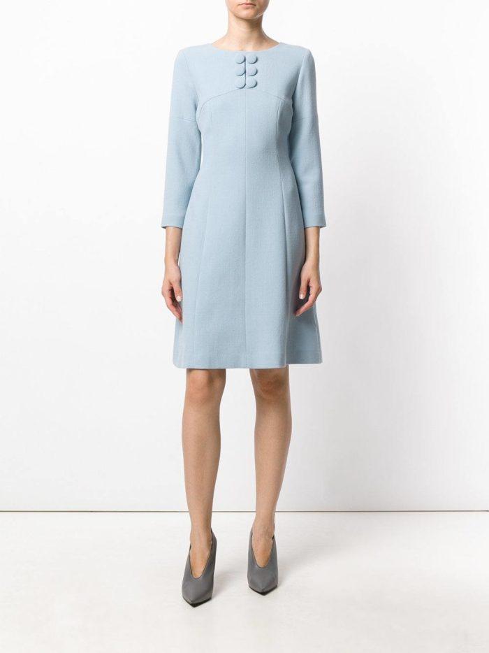 голубое платье с декором