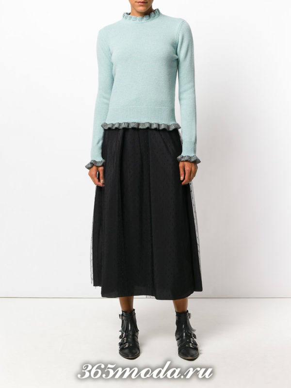 голубой свитер с рюшами осень-зима