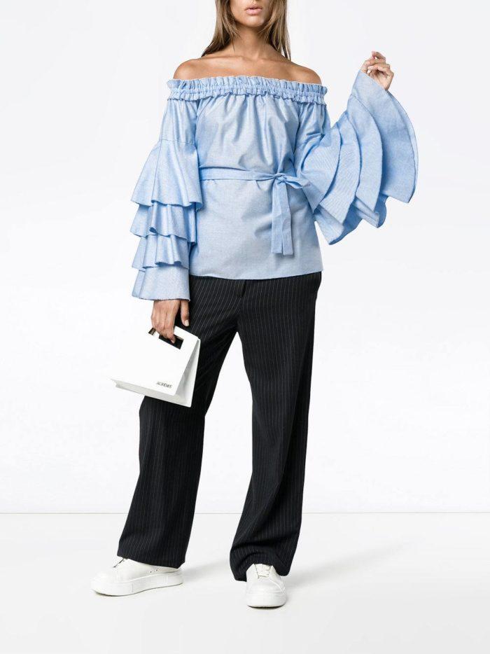 голубой блуза с воланами