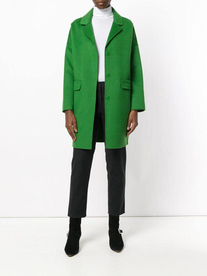 ярко зеленое пальто