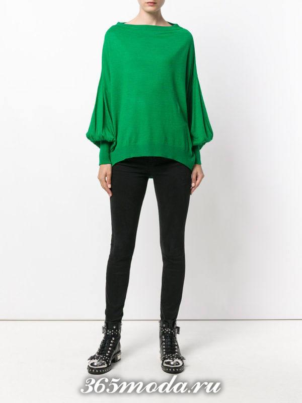 зеленый свитер с рукавами клеш осень-зима