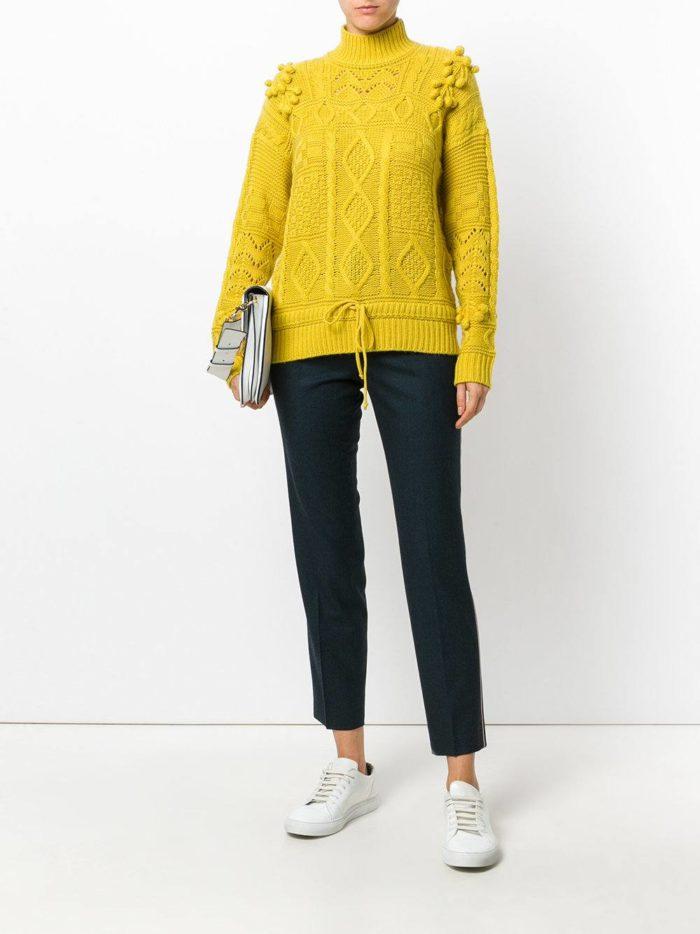 горчичный вязаный свитер