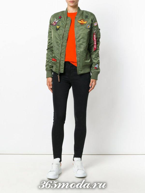 оливковая куртка бомбер осень-зима