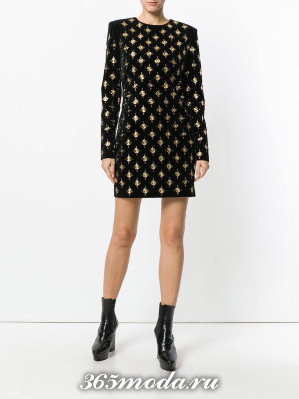 модный лук с мини платьем с принтом