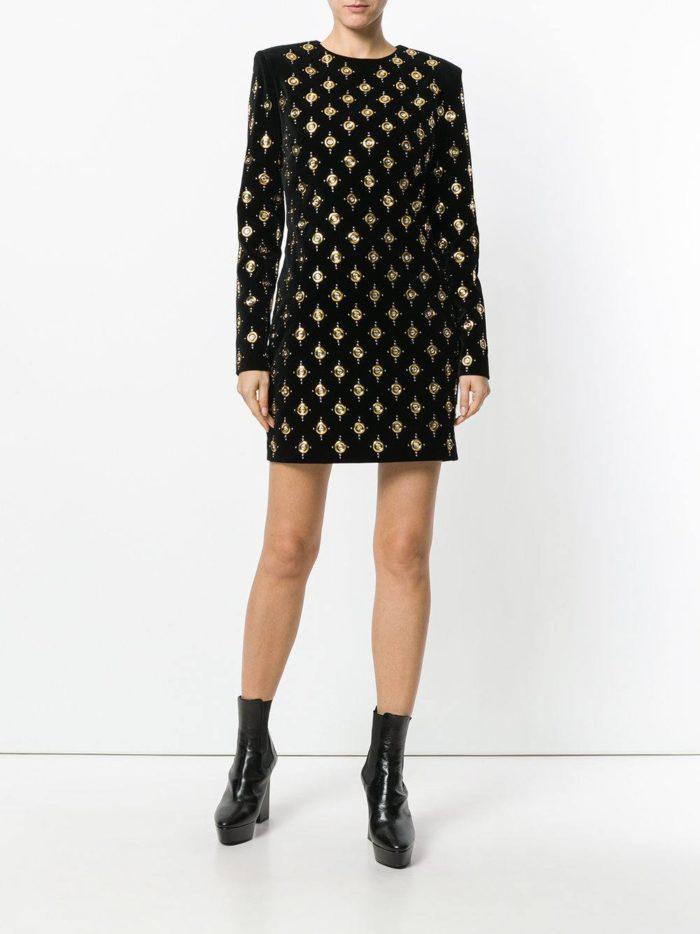 Модные цвета осень-зима 2019-2020: лук с мини платьем с принтом