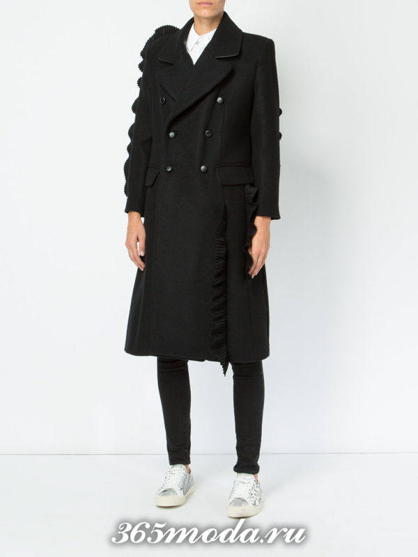 модный лук с черным двубортным пальто осень-зима