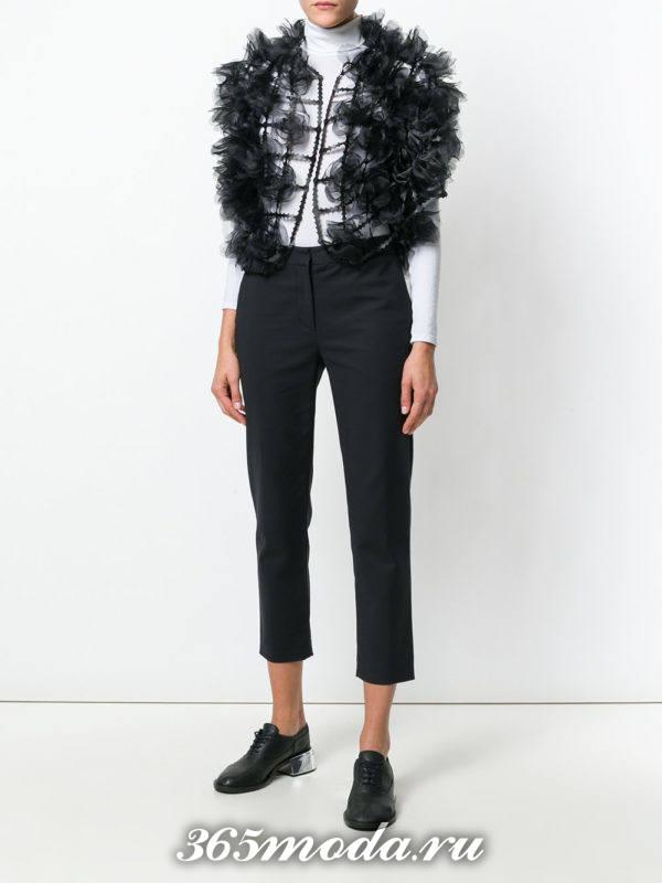 модные кардиганы: жилет черный пышный