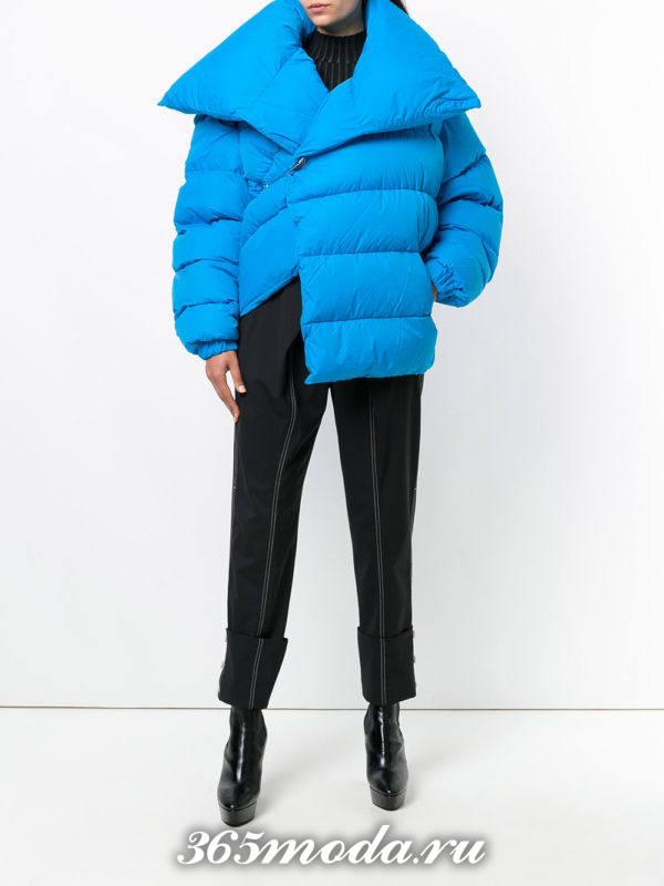 сочетания синей куртки с черным брюками
