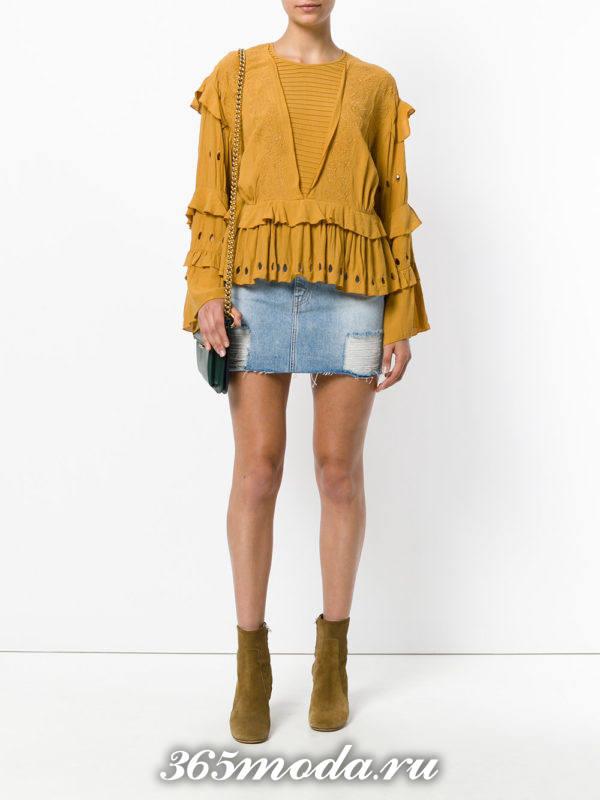 сочетания синей джинсовой юбки с желтым свитером