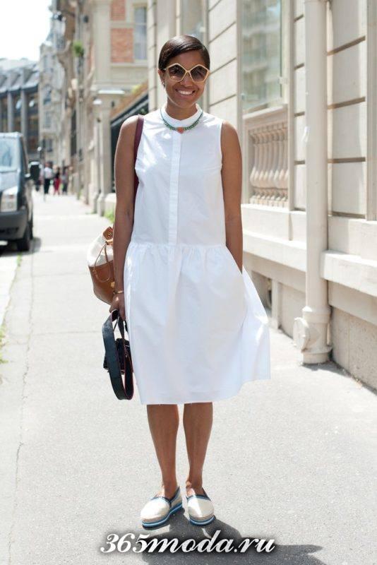 белые слипоны с белым платьем рубашкой