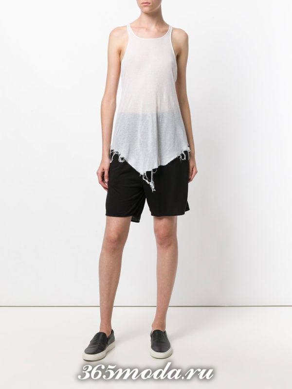 черные слипоны с шортами бермудами