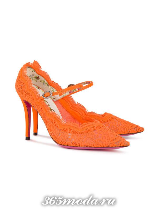 кружевные туфли на шпильке