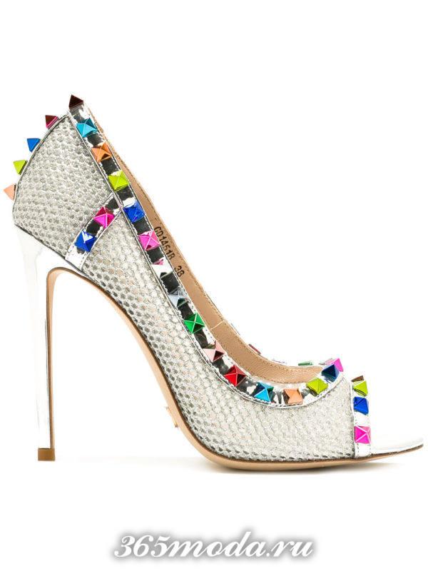 туфли с открытым носком с декором