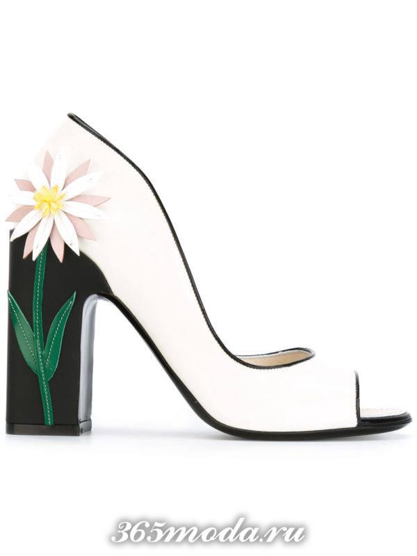 туфли с открытым носком белые