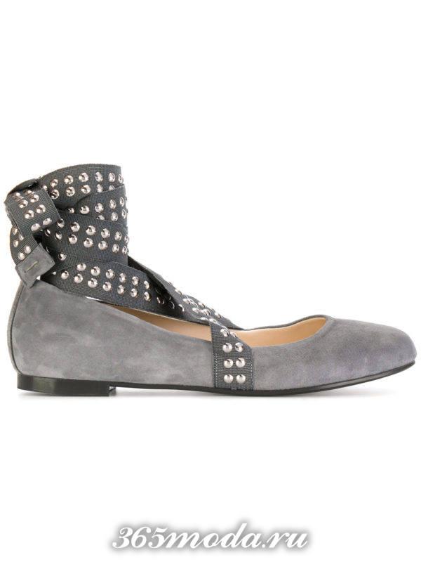 туфли на низком ходу серые