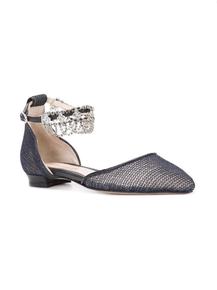 туфли на низком ходу с декором