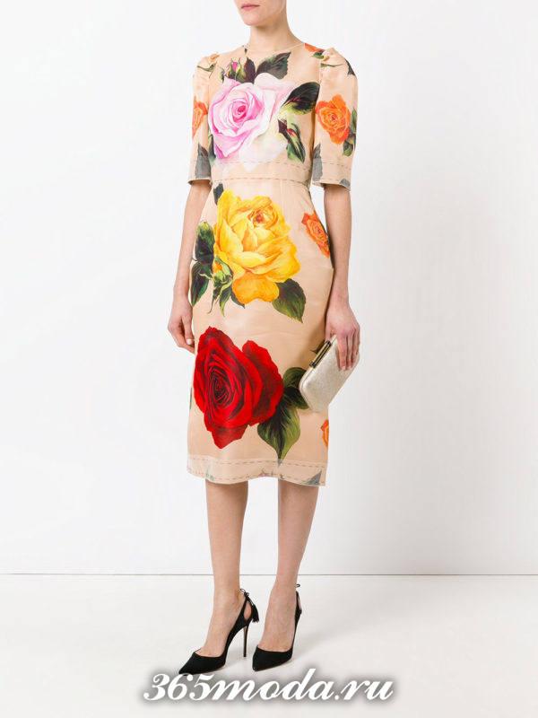выпускное платье футляр с цветочным принтом