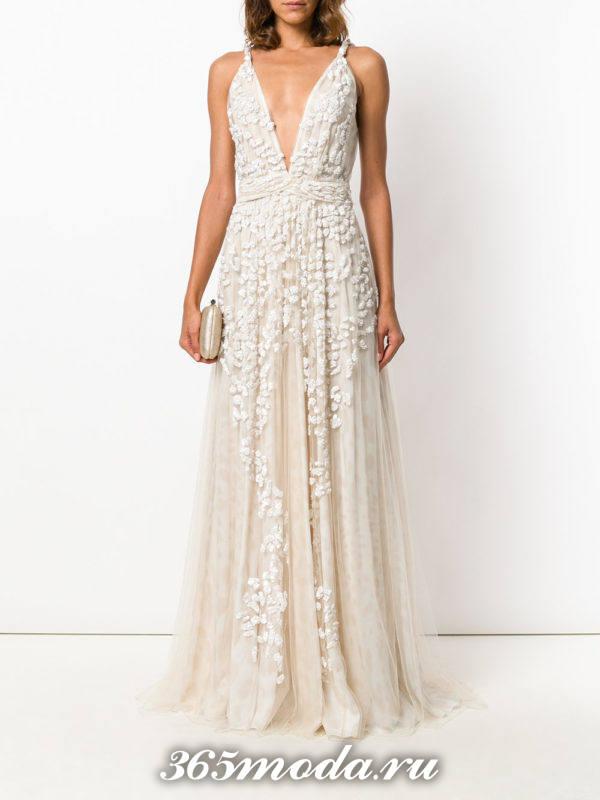 выпускное греческое светлое платье с декольте