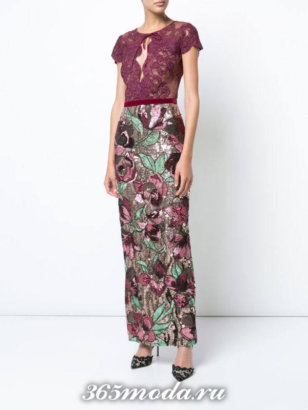 выпускное бордовое платье с цветочным принтом
