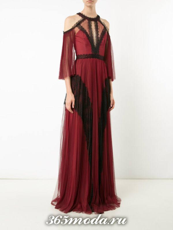 выпускное бордовое длинное платье с рукавами