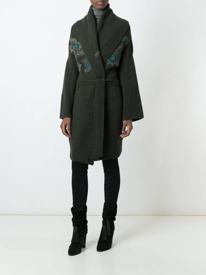вязаное серое пальто с вышивкой осень-зима
