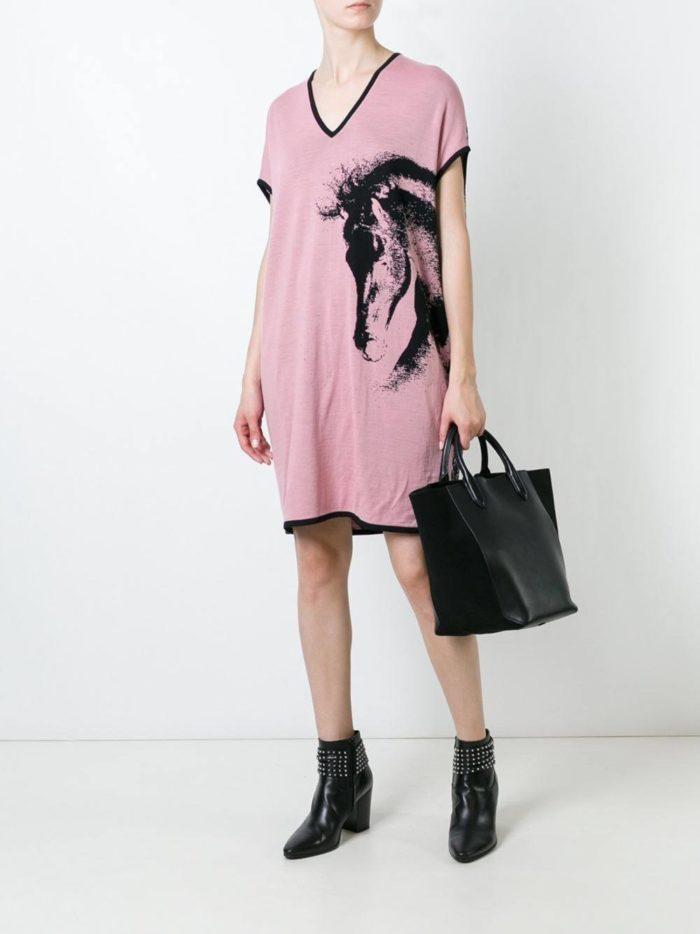 вязаное сиреневое платье с рисунком осень-зима