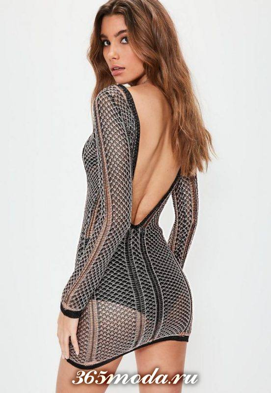 вязаное крючком ажурное платье мини с открытой спиной