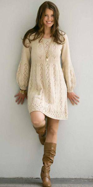 вязаное крючком молочное платье свитер с пышными рукавами
