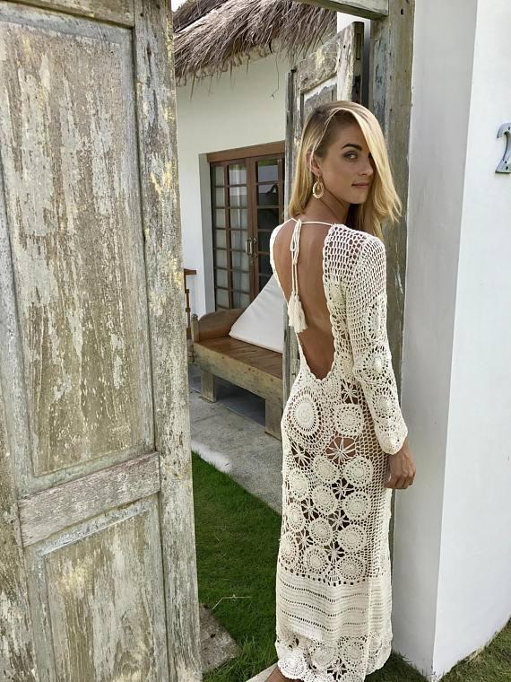 вечернее платье вязаное крючком длинное с открытой спиной