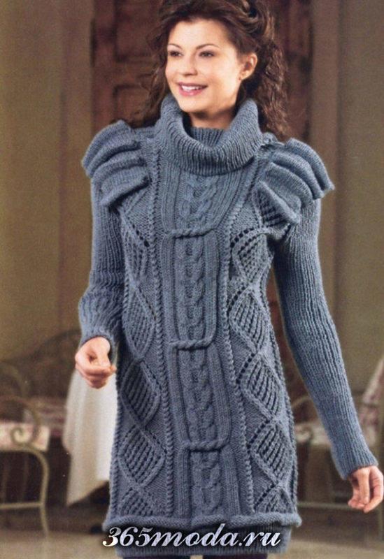 зимнее вязаное платье крючком серое с оборками