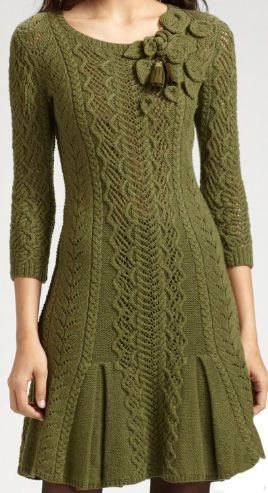 зимнее вязаное платье крючком клеш зеленое