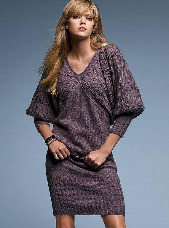 зимнее вязаное платье крючком с рукавами фонариками