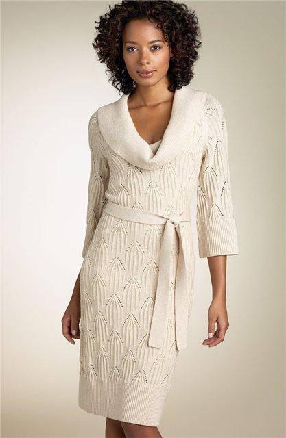 вязаное платье крючком весна осень светлое с поясом