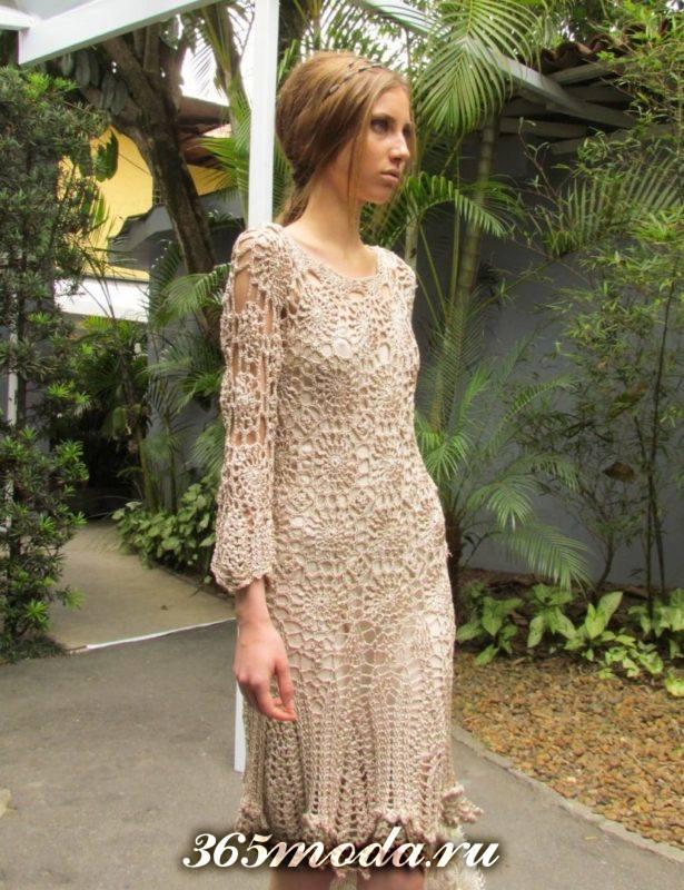 платье миди вязаное крючком с длинными рукавами