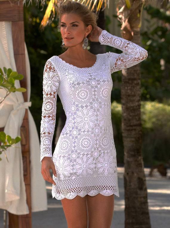 мини платье вязаное крючком белое с рукавами