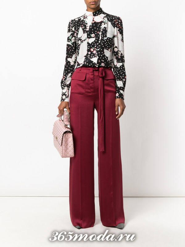 базовые бордовые брюки клеш с поясом