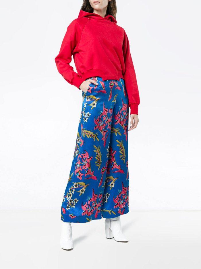 Базовый гардероб для женщины: брюки кюлоты с принтом