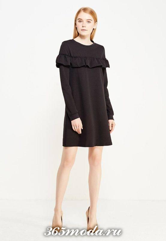 базовое черное платье с оборкой