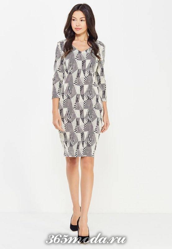 базовое платье футляр с принтом