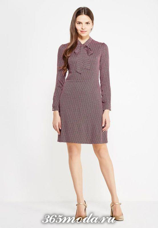 базовое платье с воротником